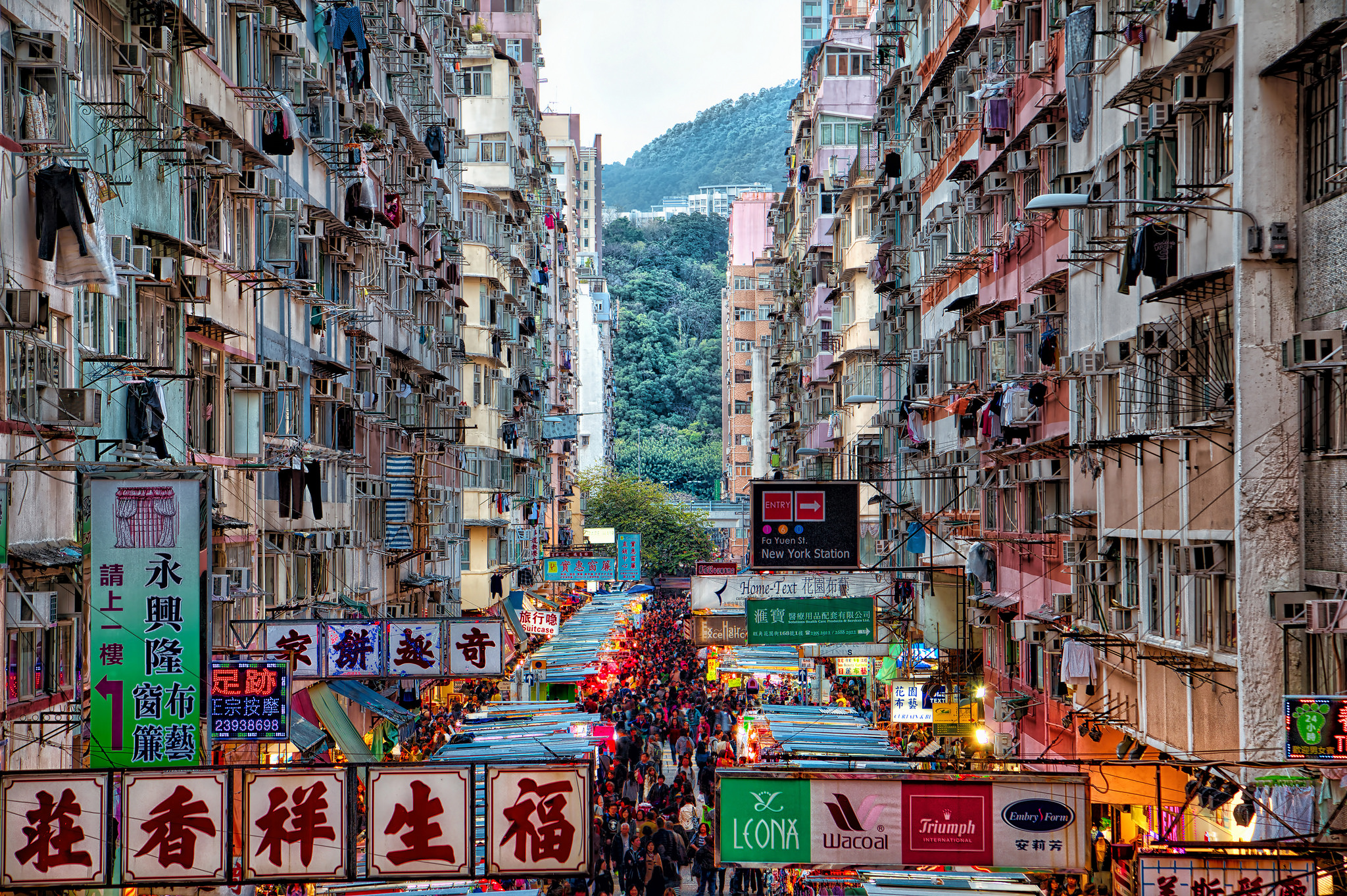 How To Shop Like A Boss On The Cheap In Hong Kong