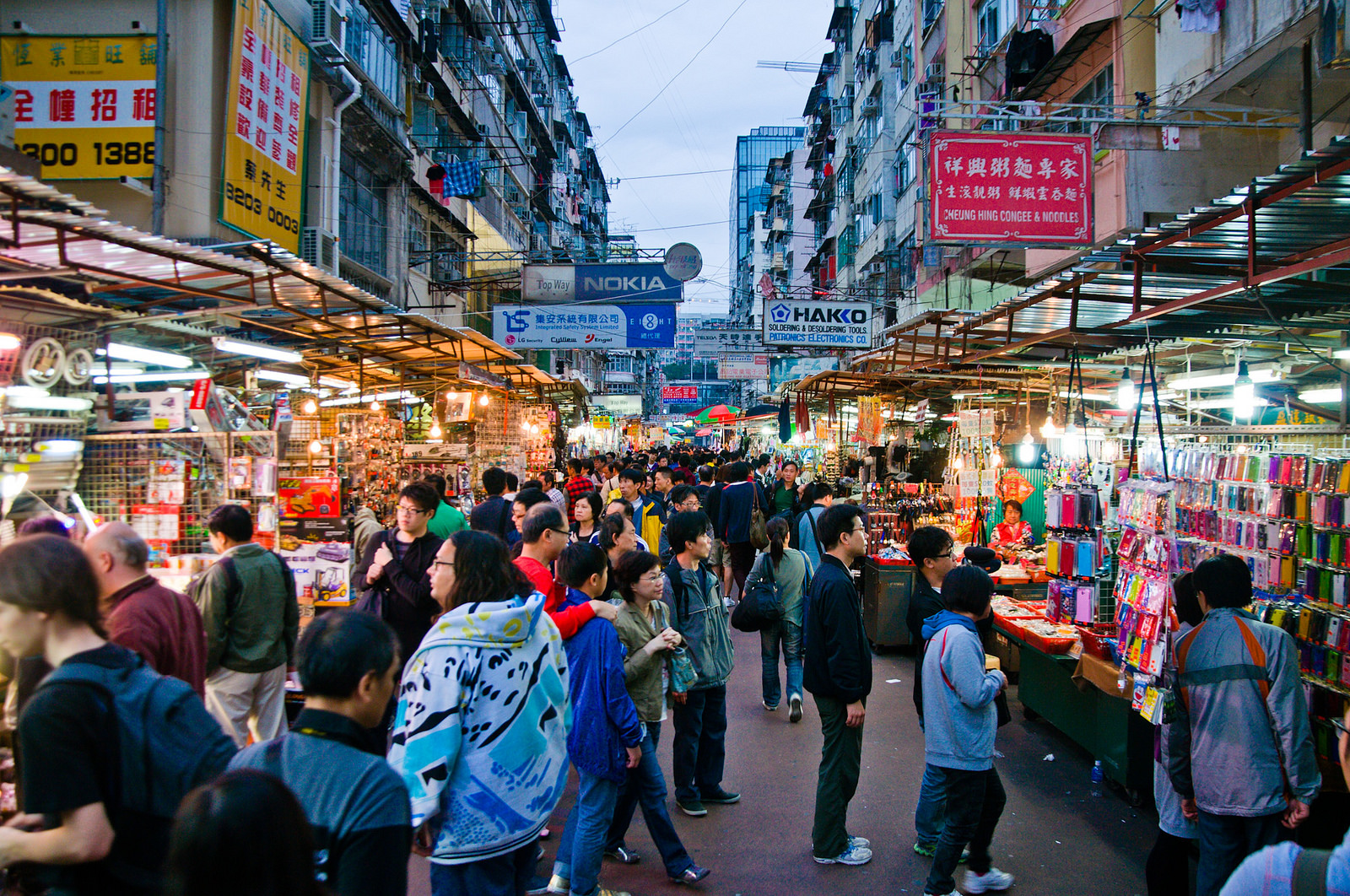 Sassy Hong Kong is the go-to guide for girls in the city that truly never sleeps. From al fresco bars and hole-in-the-wall restaurants, to secret shopping spots and special events, we pound the pavements in search of all the best Hong Kong has to offer.