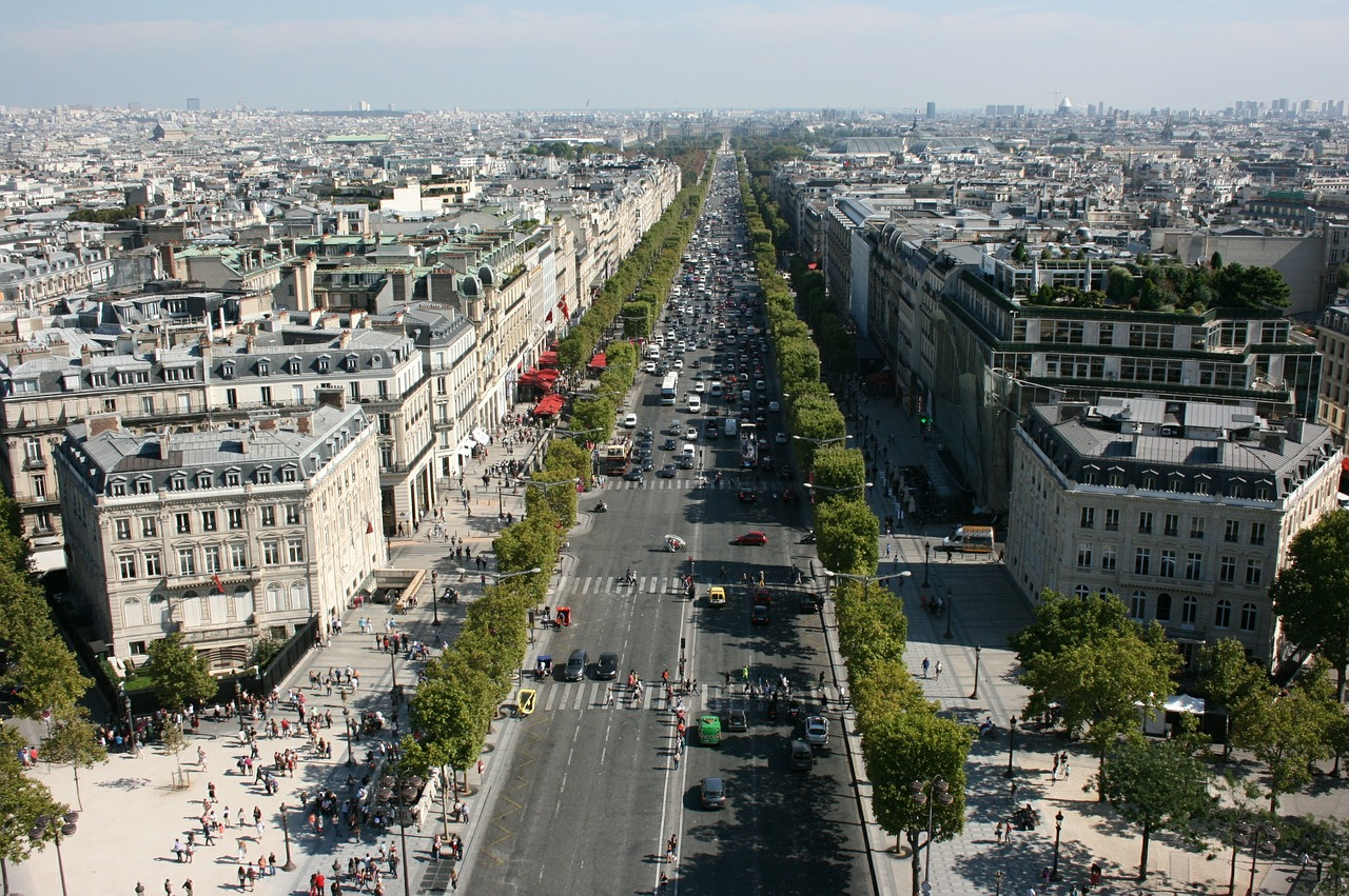 You Ll Soon Be Able To Walk Down A Car Free Champs Elysees
