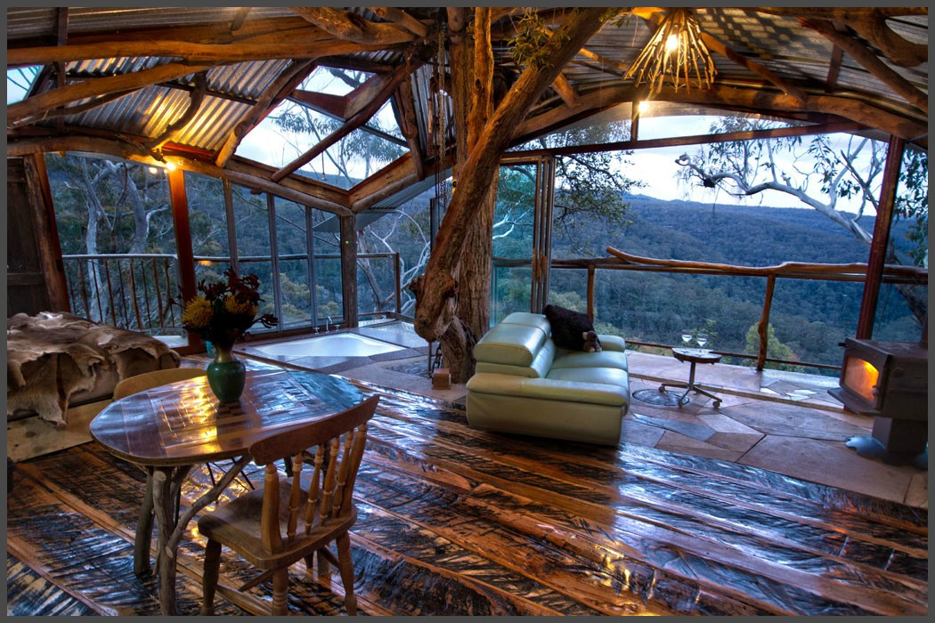 6 amazing treehouses you can rent in australia for Amazing house pictures