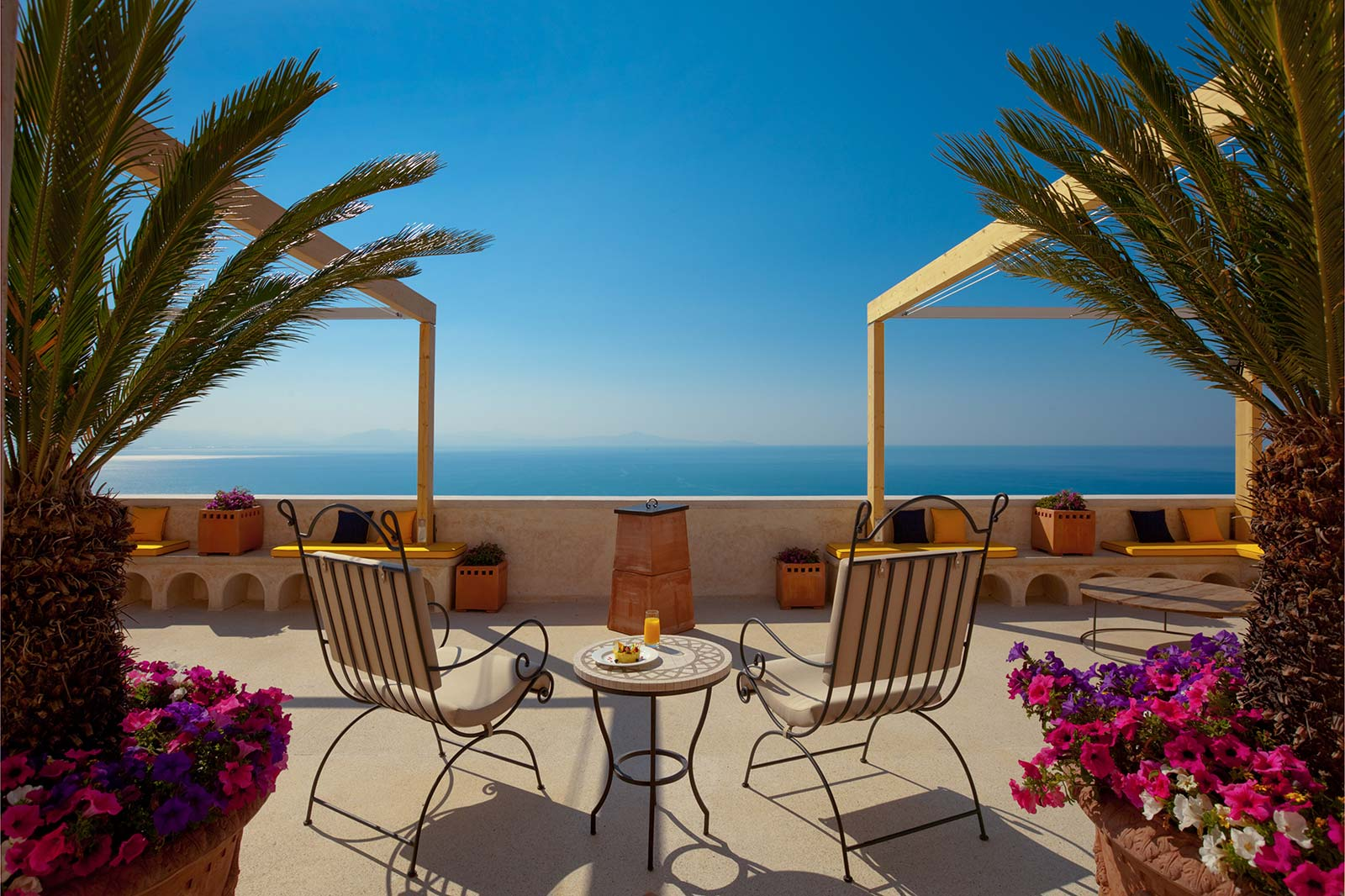 Buy apartments in Rome on the beach