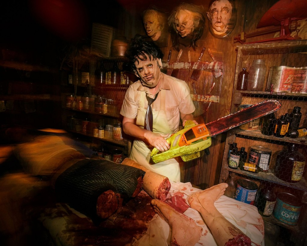 universal studios halloween horror nights sound totally fun and not