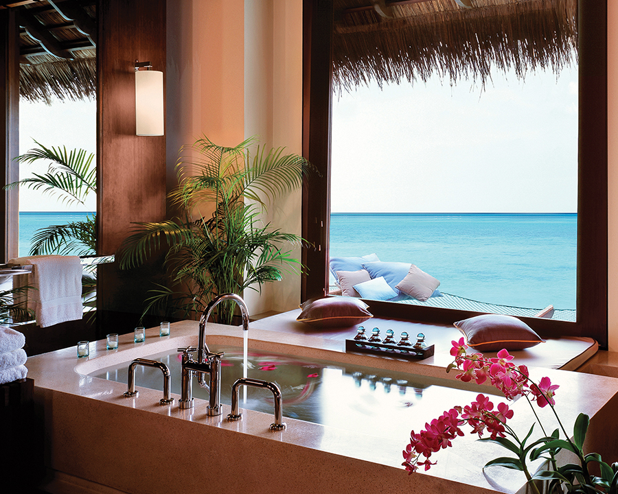 One And Only Reethi Rah Water Villa Bathtub