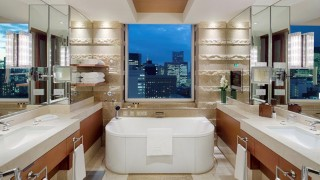 ptk-deluxe-suite-bathroom-1074