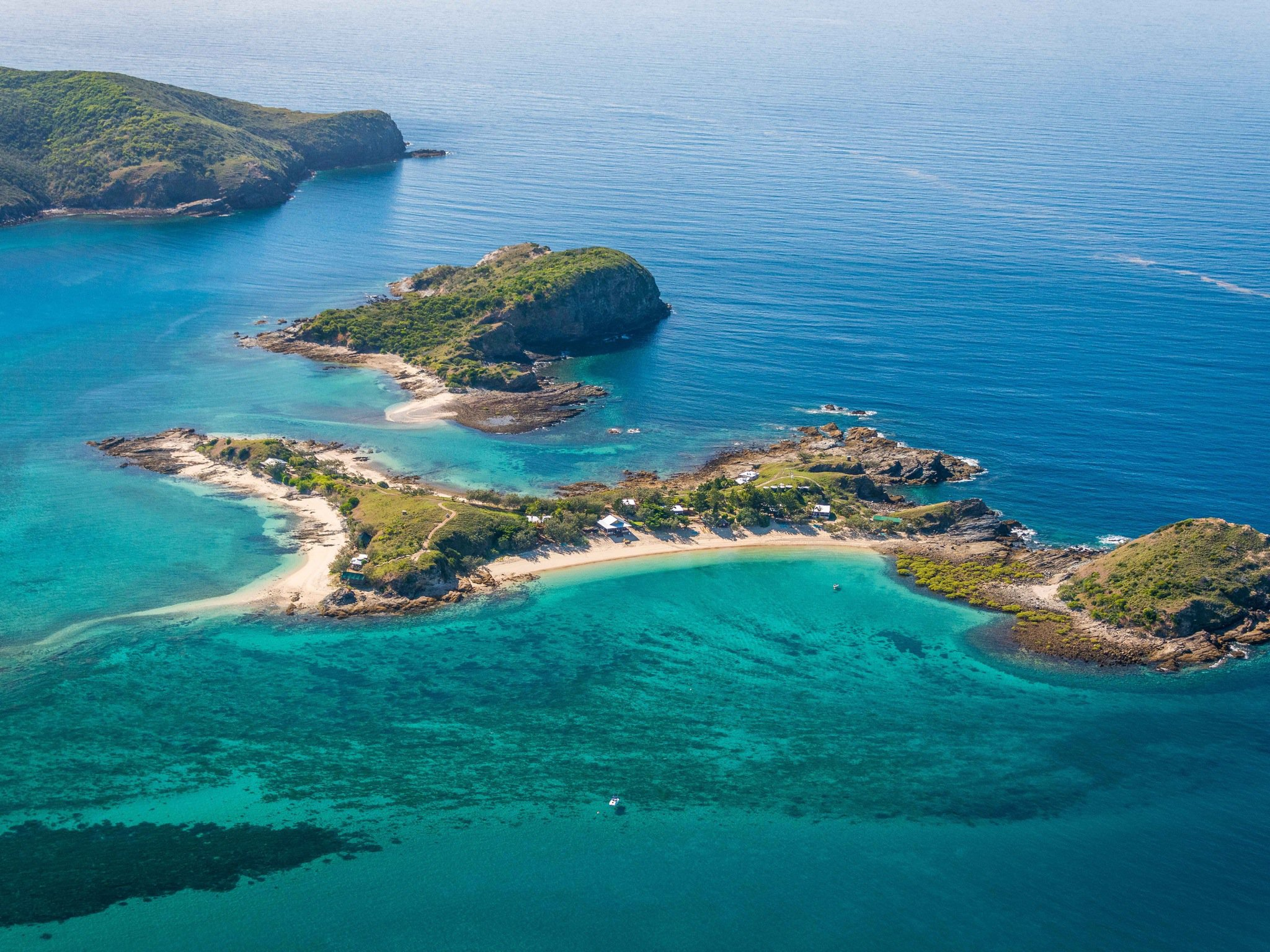 you can hire this whole island in queensland for you 33 mates