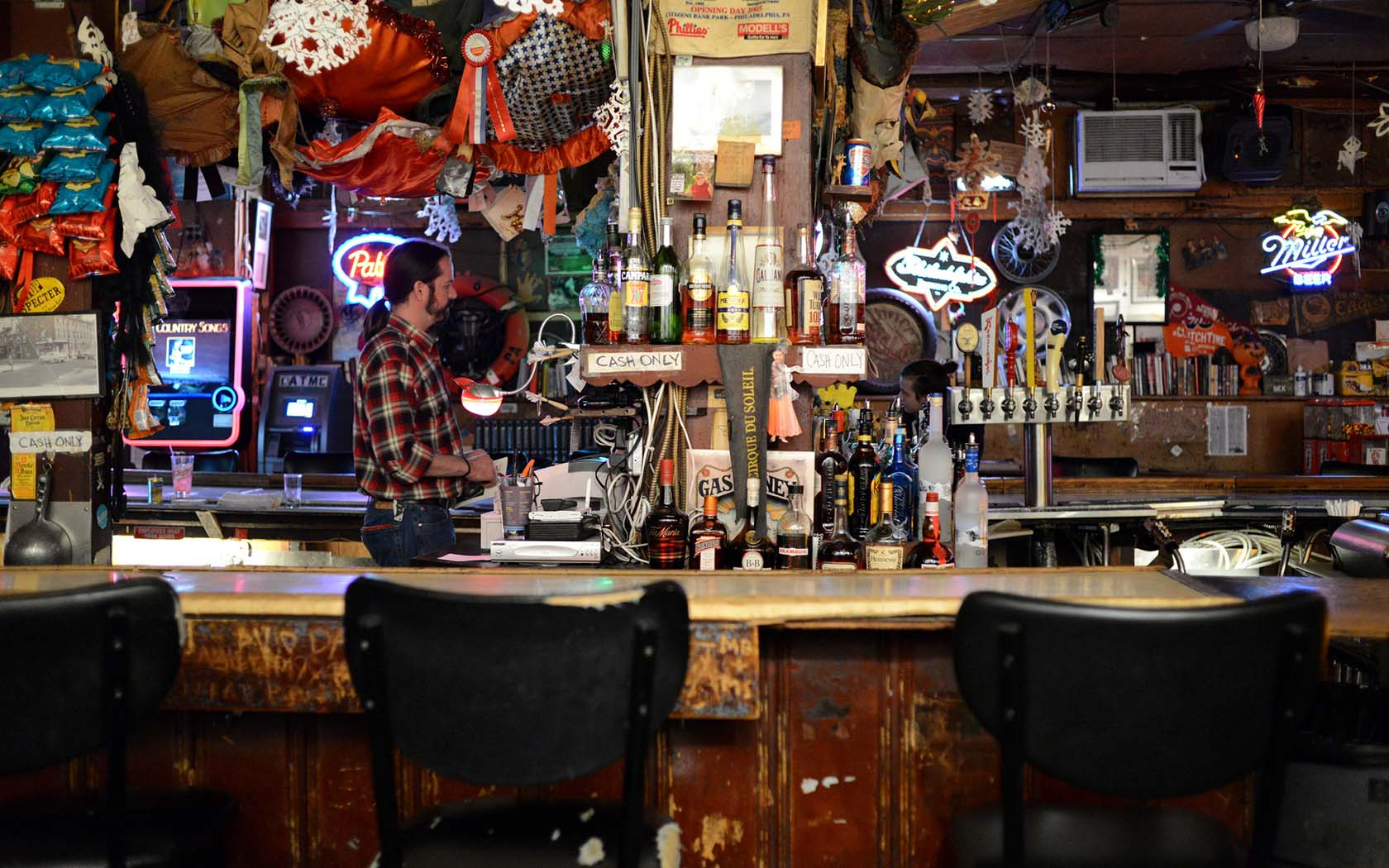 The Underground Guide To Hong Kong's Best Dive Bars