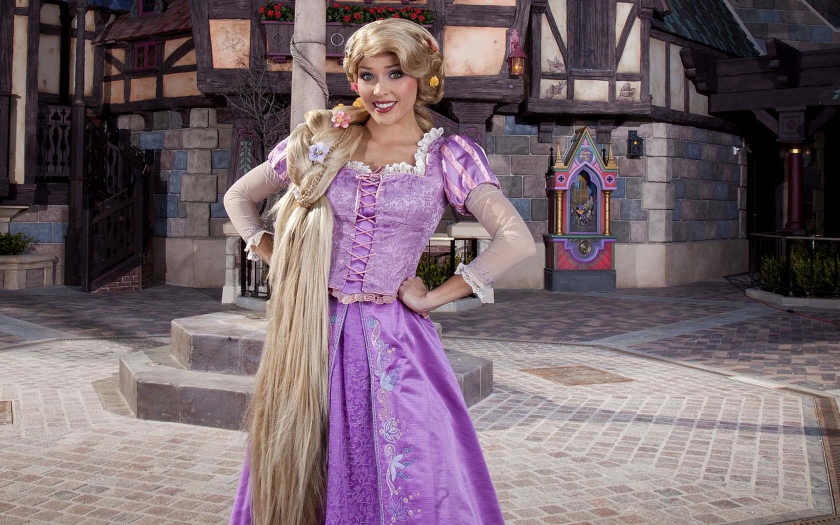 Disneyland Paris Is Hiring For Princesses And Princes