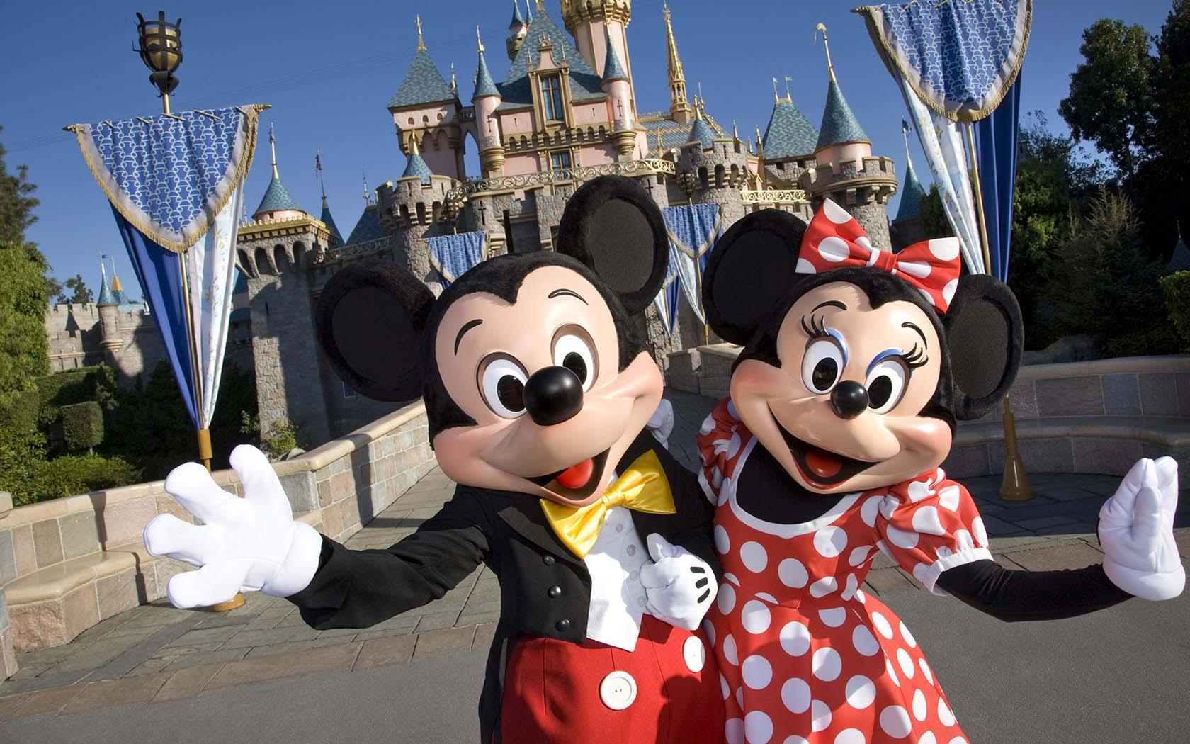 and disneyland Mickey minnie