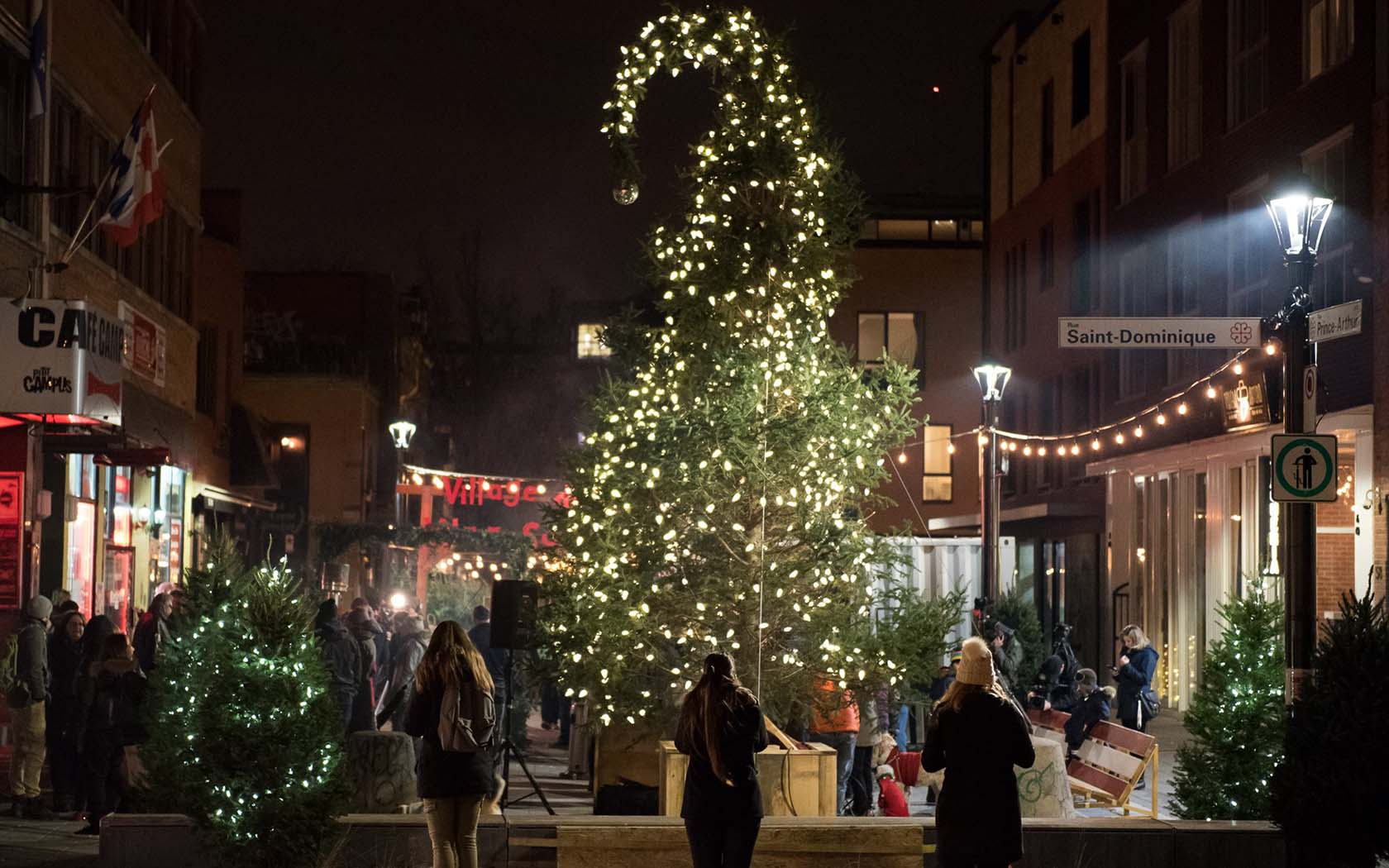 Ugly Christmas Tree.Montreal S Ugly Christmas Tree Returns For Another Year
