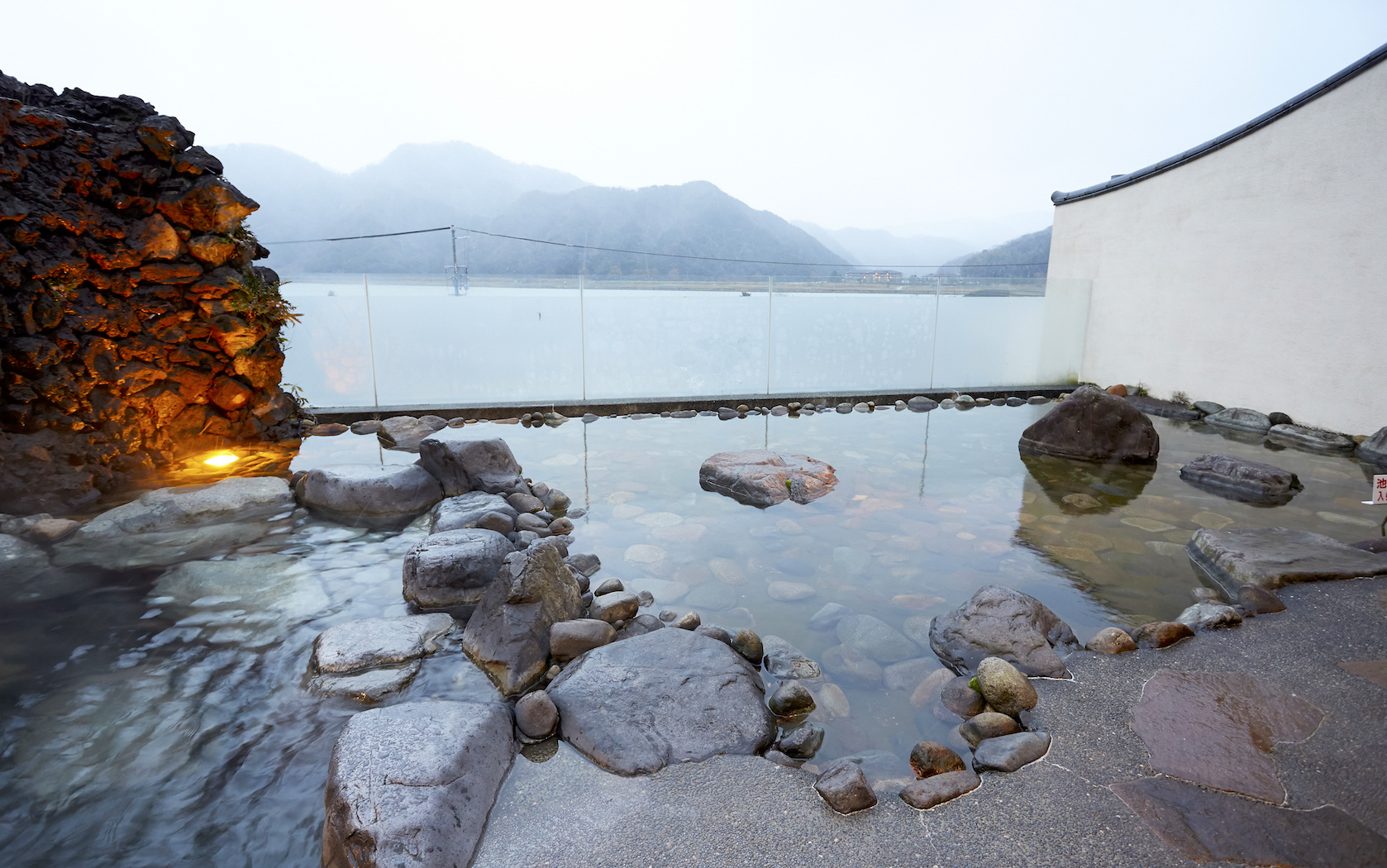 Japan\'s Best Hot Springs To Visit In Summer 2018