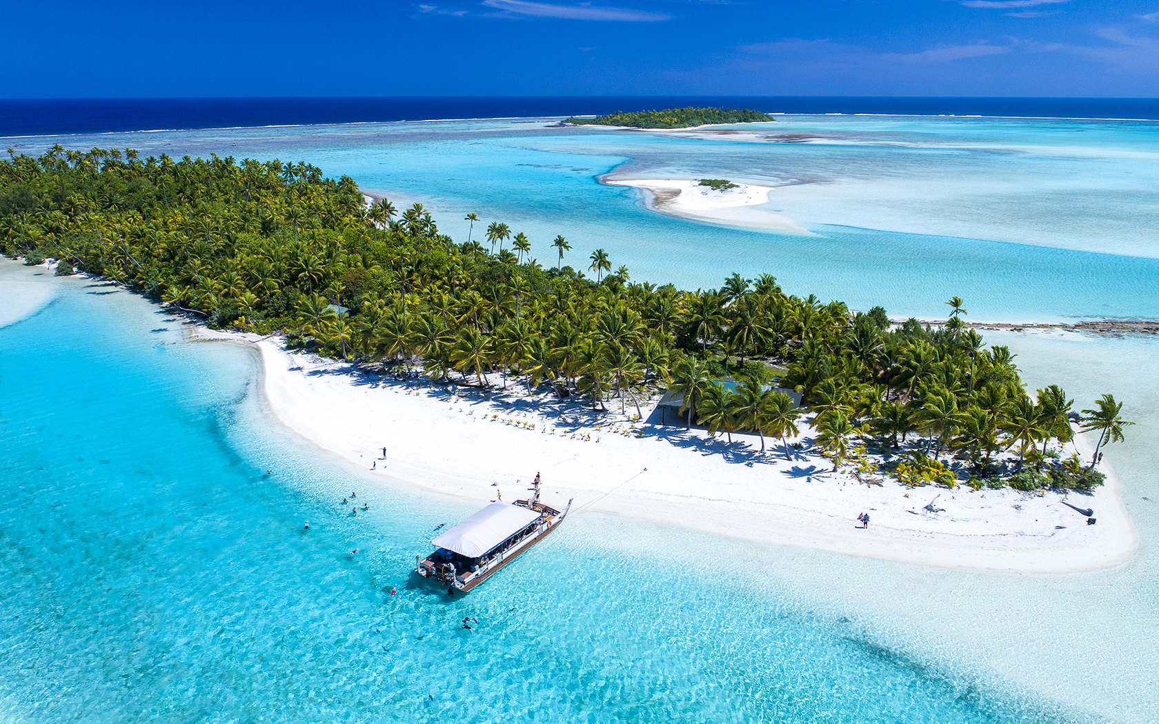 Aitutaki: The Island Paradise Begging To Be On Your Bucket List