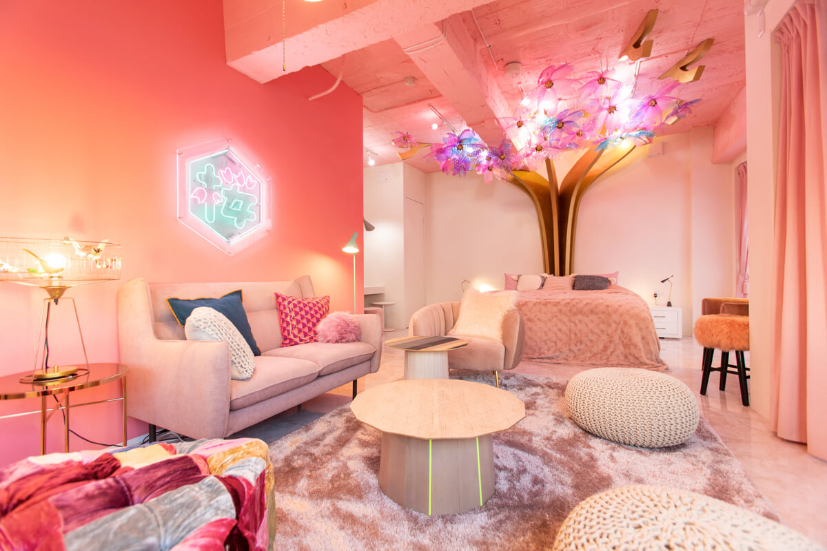 Check Out This Beautiful Cherry Blossom Themed Apartment In Japan